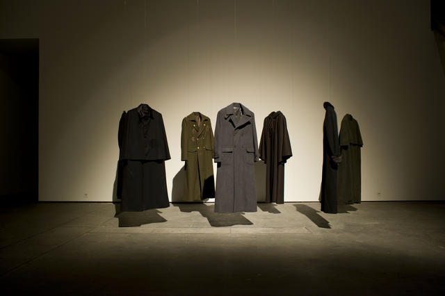 Yoko Ono: Coats, installation view (2010): Images courtesy Haunch of Venison, Berlin.