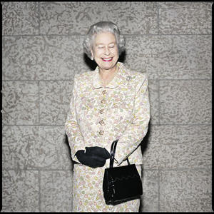 Christopher Wahl: The Queen in Winnipeg (2002): Chromogenic print, 50.8 x 50.8 cm. Gift of Christopher Wahl, 2009. 2009/170 © the artist.