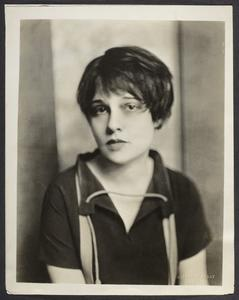 Nickolas Muray: Anita Loos (1926): Gelatin silver print, 25.7 x 20.2 cm. Anonymous gift, 2011. 2011/62 © Estate of Nickolas Muray.